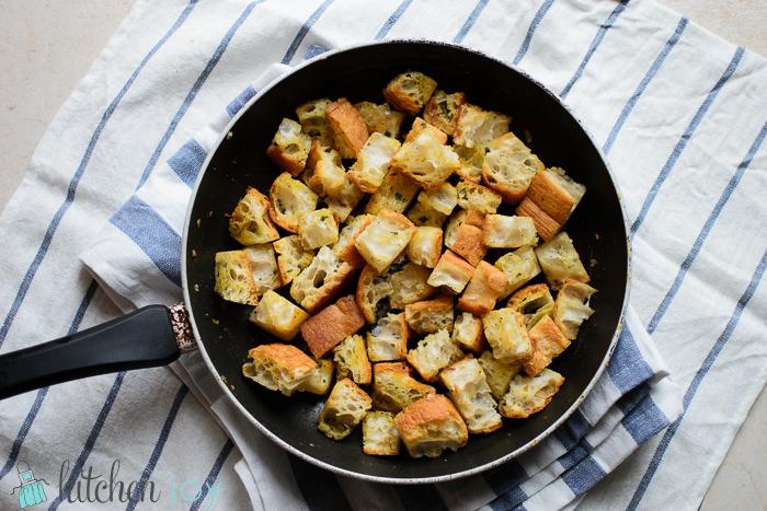 parmesan-skillet-croutons (9)