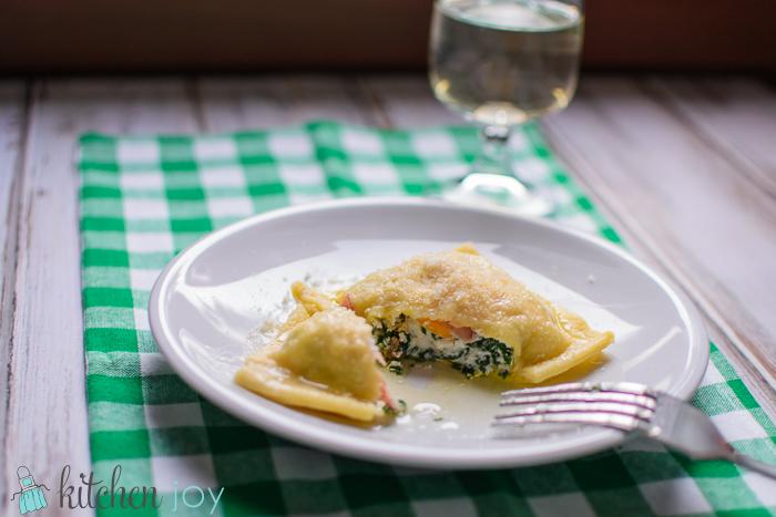 agnolottie-primavera-spinach-ricotta-ravioli