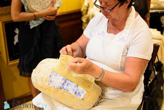 La Perla Gallery - Lace-making tour in Burano, Italy.