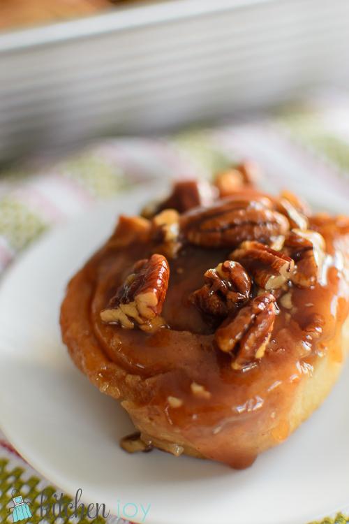 pecan-sticky-buns-Christmas-breakfast-4
