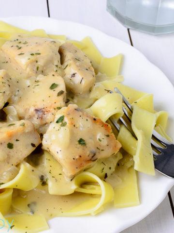 Creamy Chicken and Noodles - Kitchen Joy
