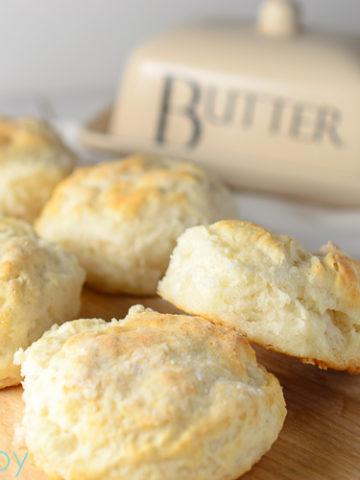 Fluffy Buttermilk Biscuits - Kitchen Joy