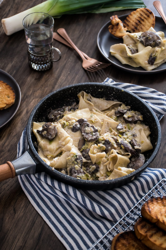 Mushroom And Leek Pasta With Garlic Bruschette Kitchen Joy